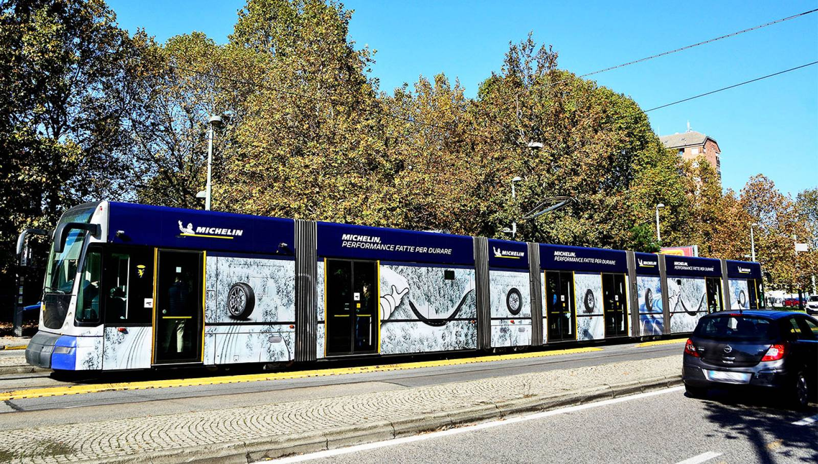 IGPDecaux Turin OOH Advertising on tram for Michelin
