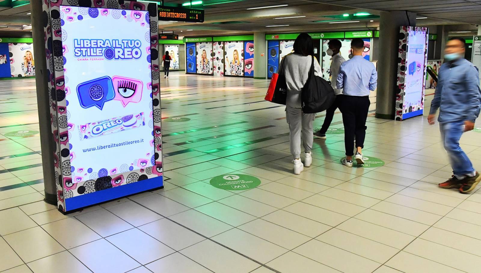 Pubblicità OOH metropolitana Milano IGPDecaux Station Domination per Mondelez Italia
