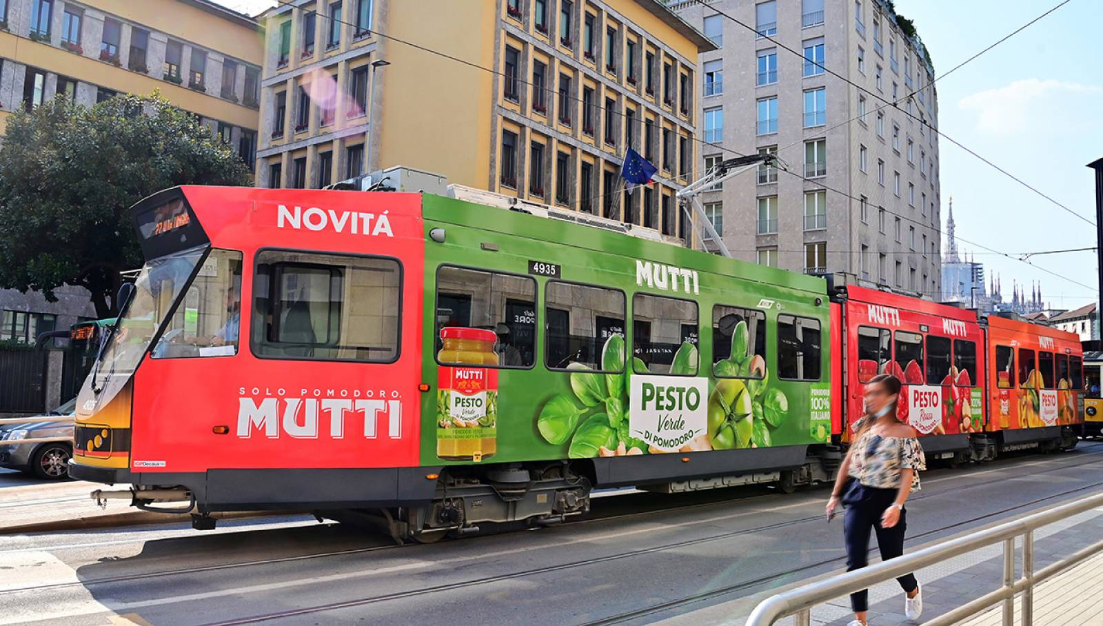 IGPDecaux OOH advertising in Milan Full-Wrap for Mutti