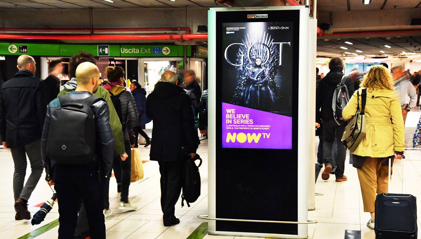 Dooh media IGPDecaux Milan Underground Digital Network for Game of Thrones