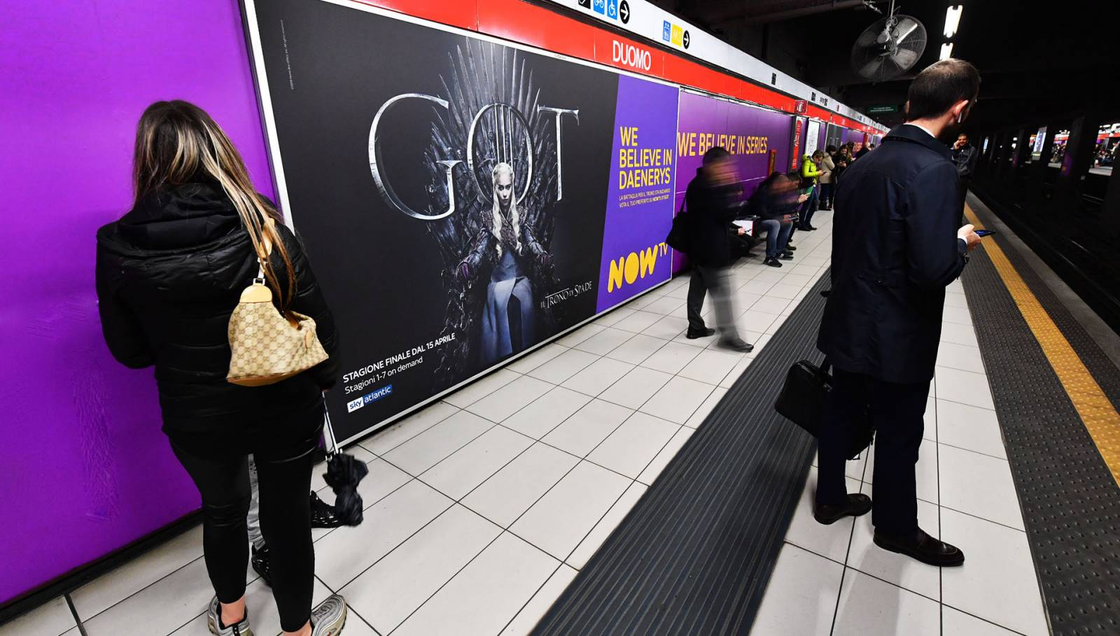 IGPDecaux underground advertising in Milan Station Domination for Games of Thrones Now TV