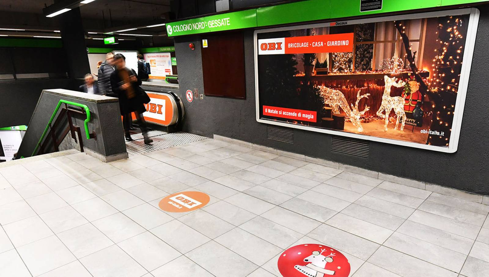 Pubblicità metro Milano IGPDecaux Station Domination Milano Centrale per OBI Italia