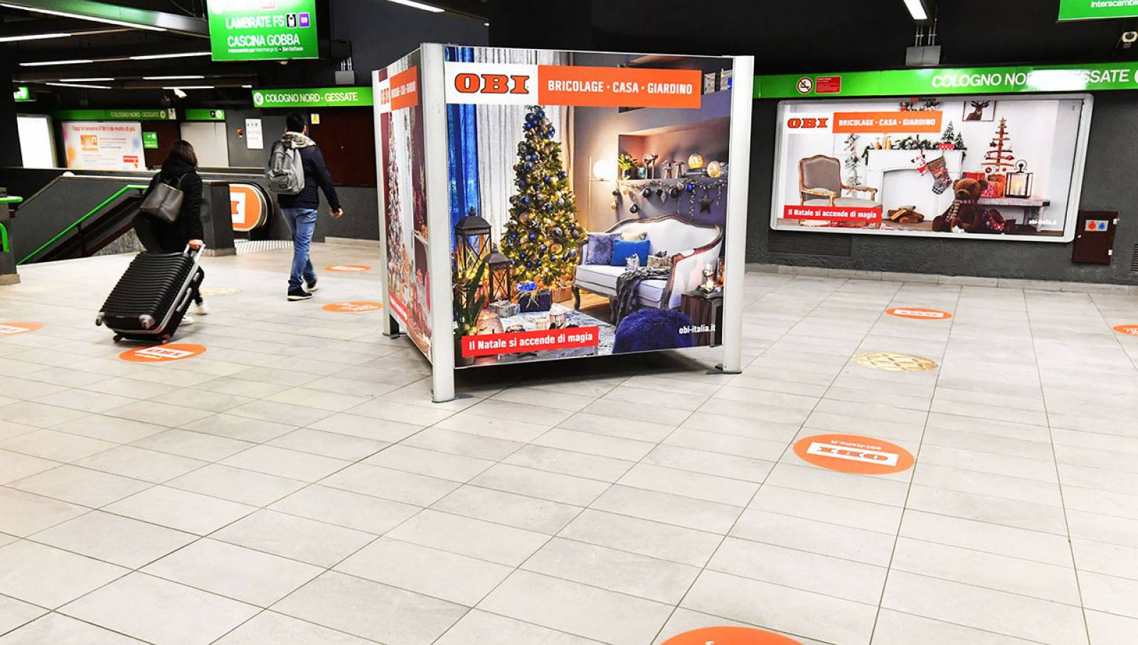Pubblicità in metropolitana a Milano Station Domination IGPDecaux Milano Centrale per OBI Italia
