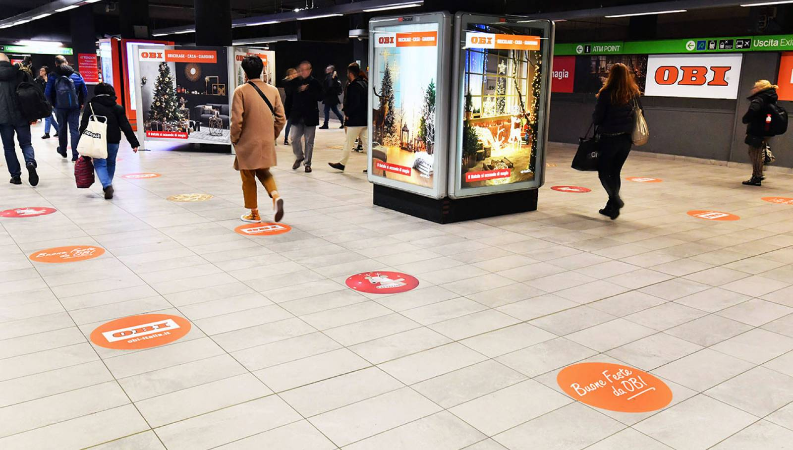 Out of Home advertising a Milano Centrale IGPDecaux Station Domination per OBI Italia