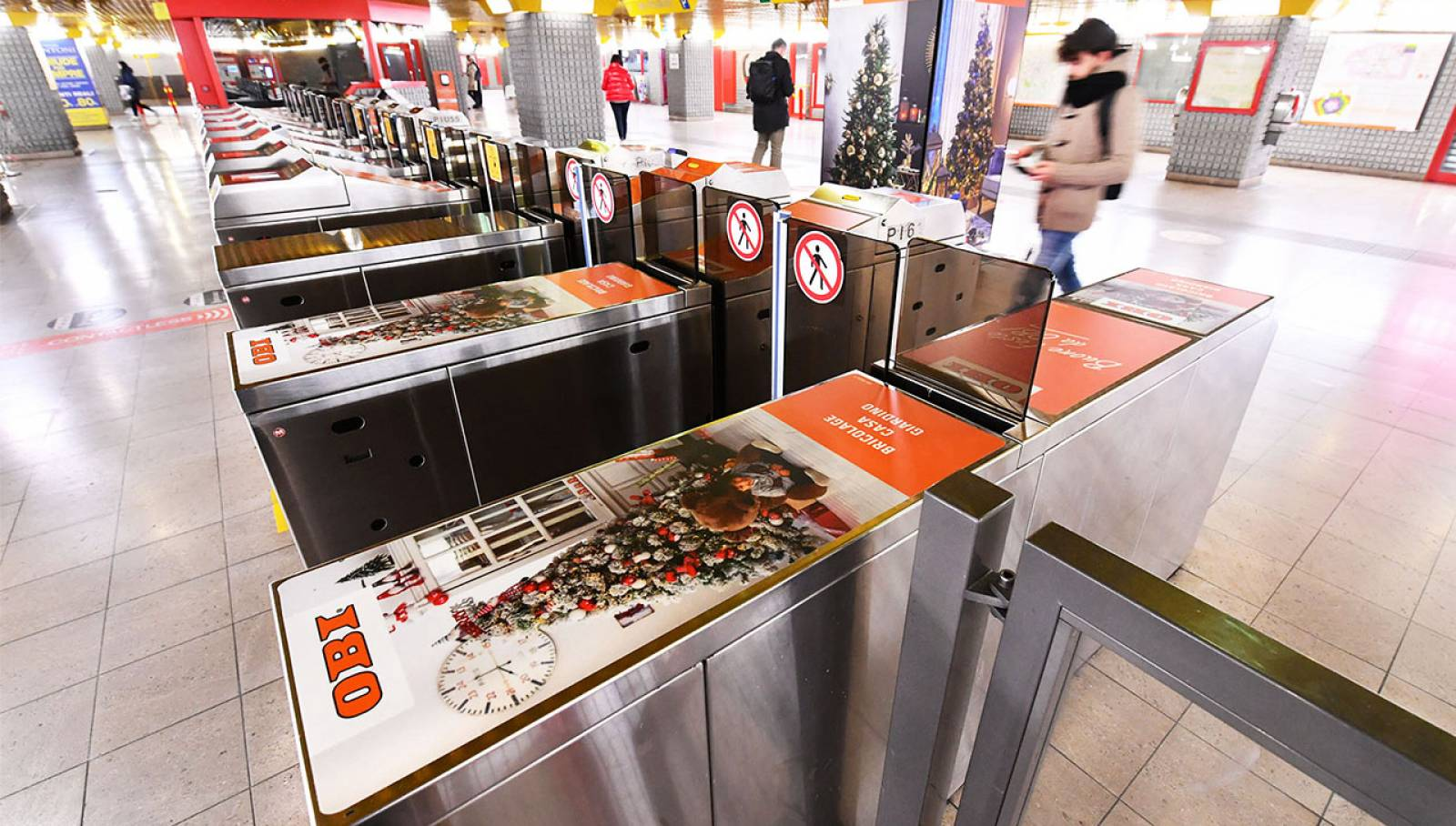 Pubblicità Out of Home a Milano San Donato Station Domination per OBI Italia IGPDecaux