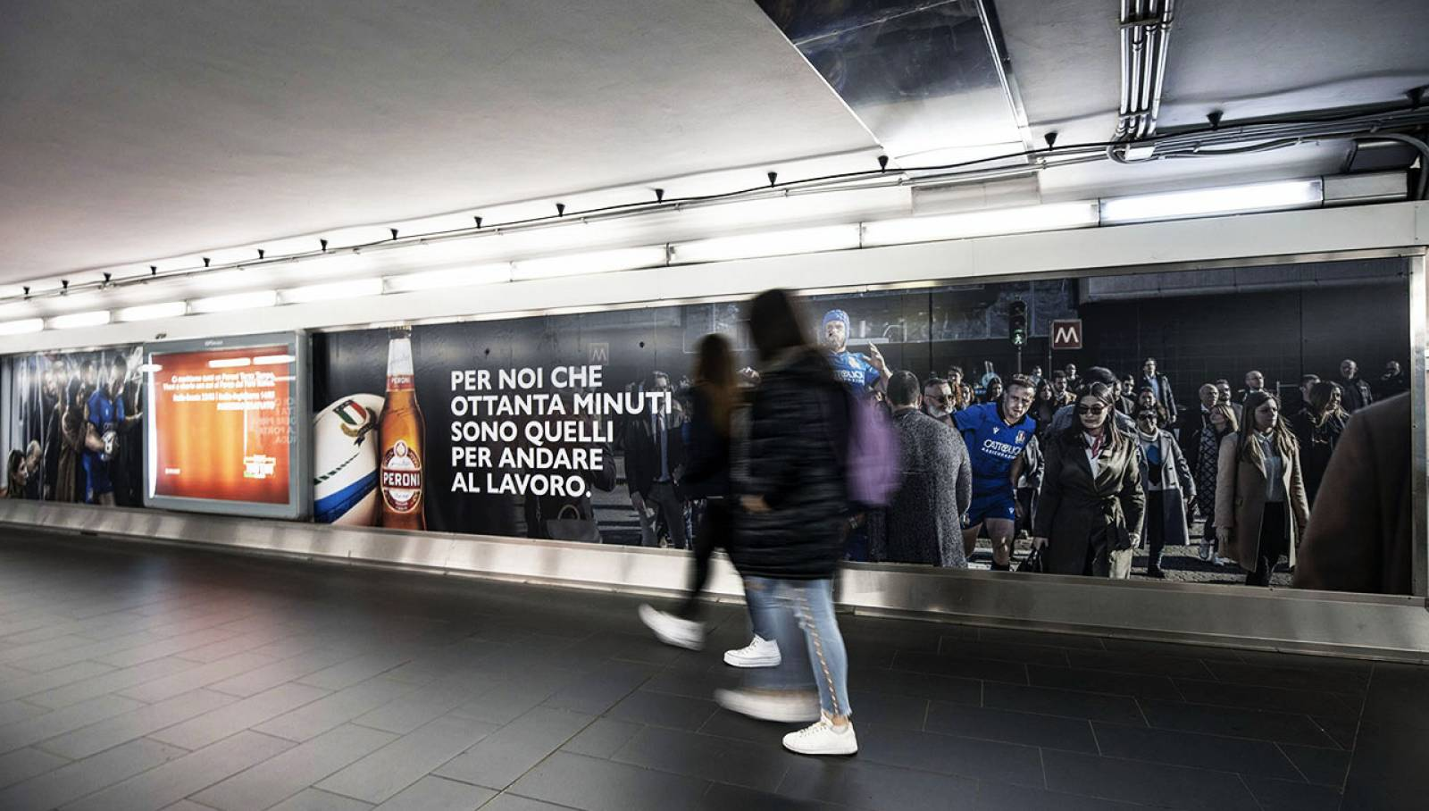 OOH advertising IGPDecaux a Roma Station Domination per Peroni