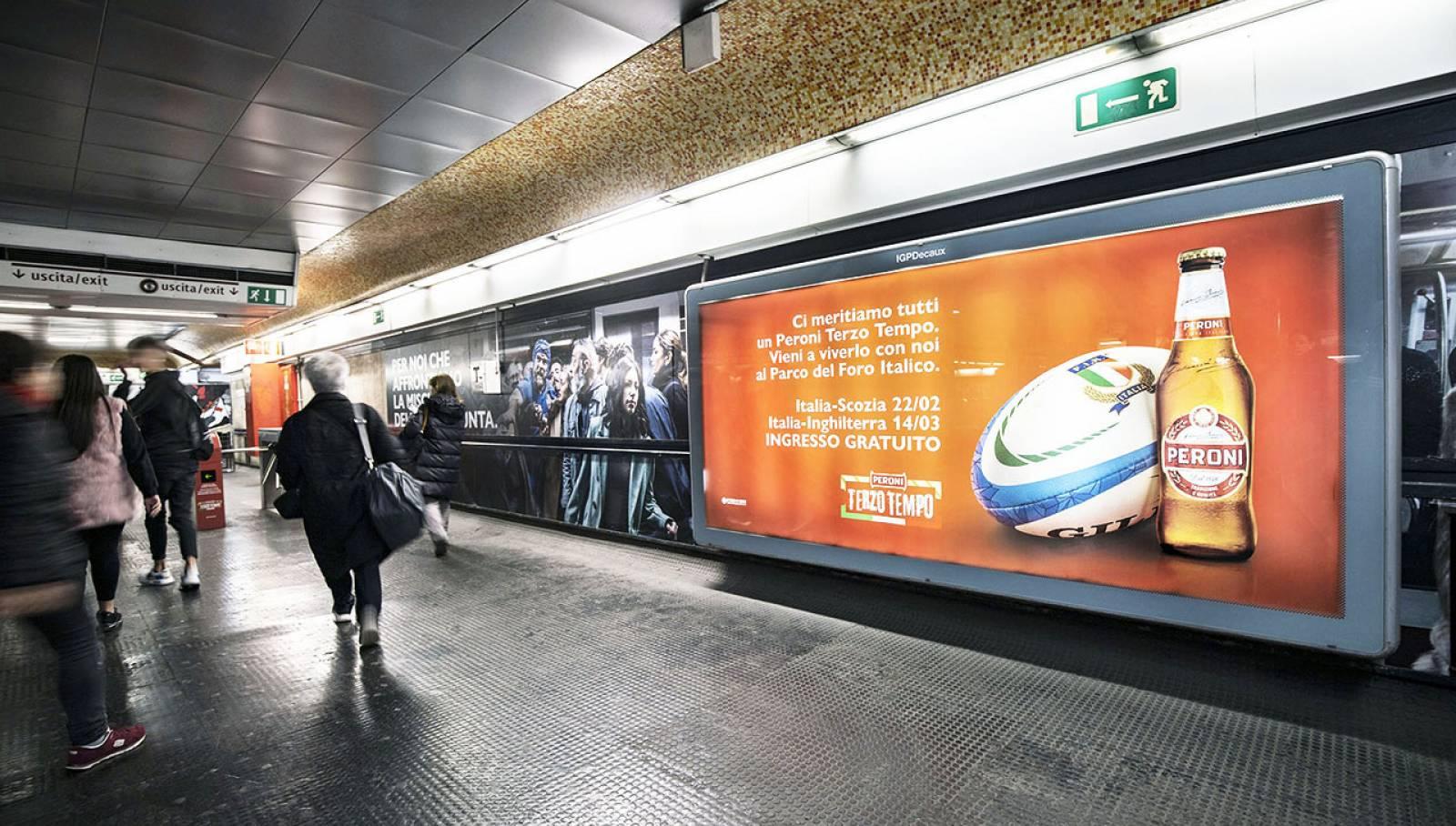 IGPDecaux Roma pubblicità in metropolitana per Peroni
