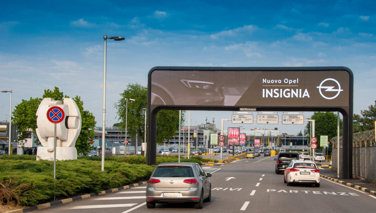 Pubblicità aeroporti IGPDecaux portale digitale per Opel a Linate