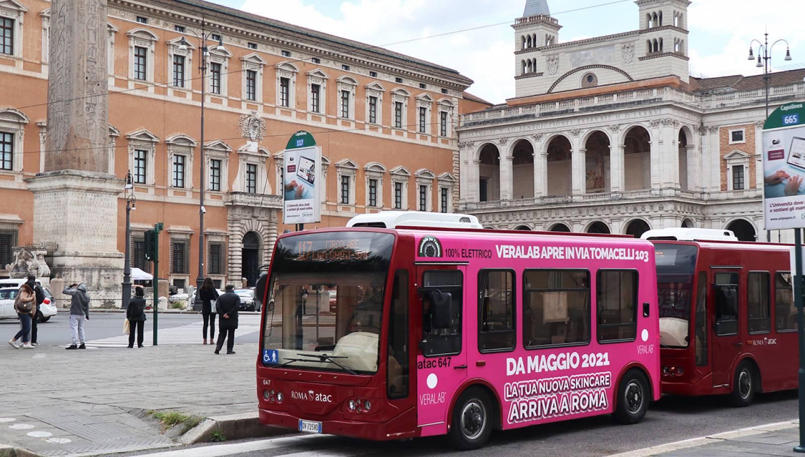 Pubblicità su autobus IGPDecaux a Roma Full-Wrap per L'Estetista Cinica