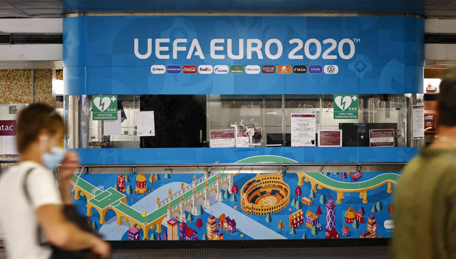 Pubblicità in metropolitana a Roma Flaminio Station Domination IGPDecaux per UEFA 2020