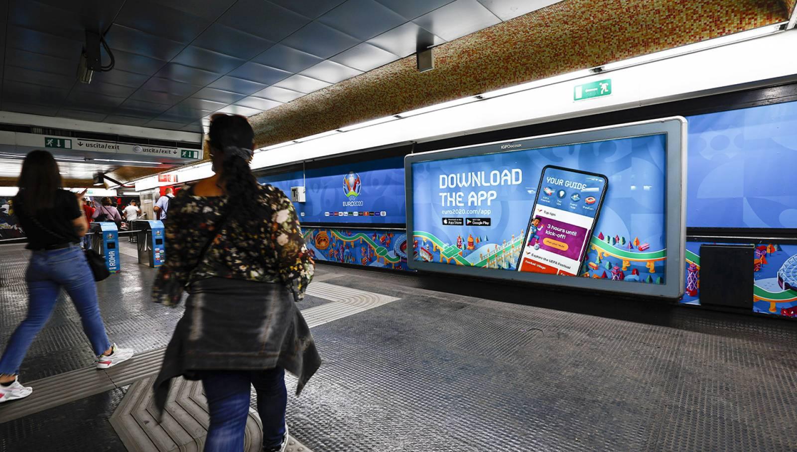 Pubblicità in metropolitana a Roma Flaminio IGPDecaux Station Domination per UEFA 2020