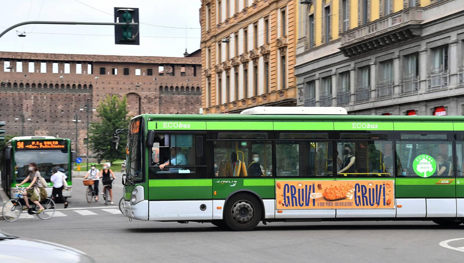 Pubblicità su autobus IGPDecaux Milano Side Banner per Sammontana