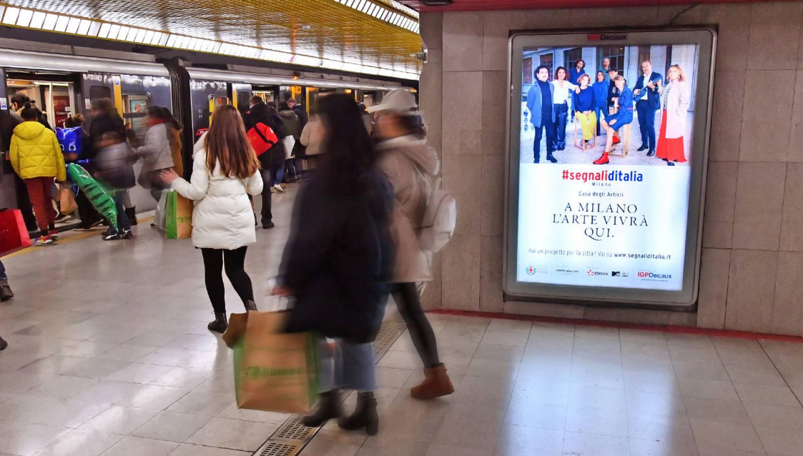 Pubblicità metropolitana Milano IGPDecaux MUPI per Segnali d'Italia