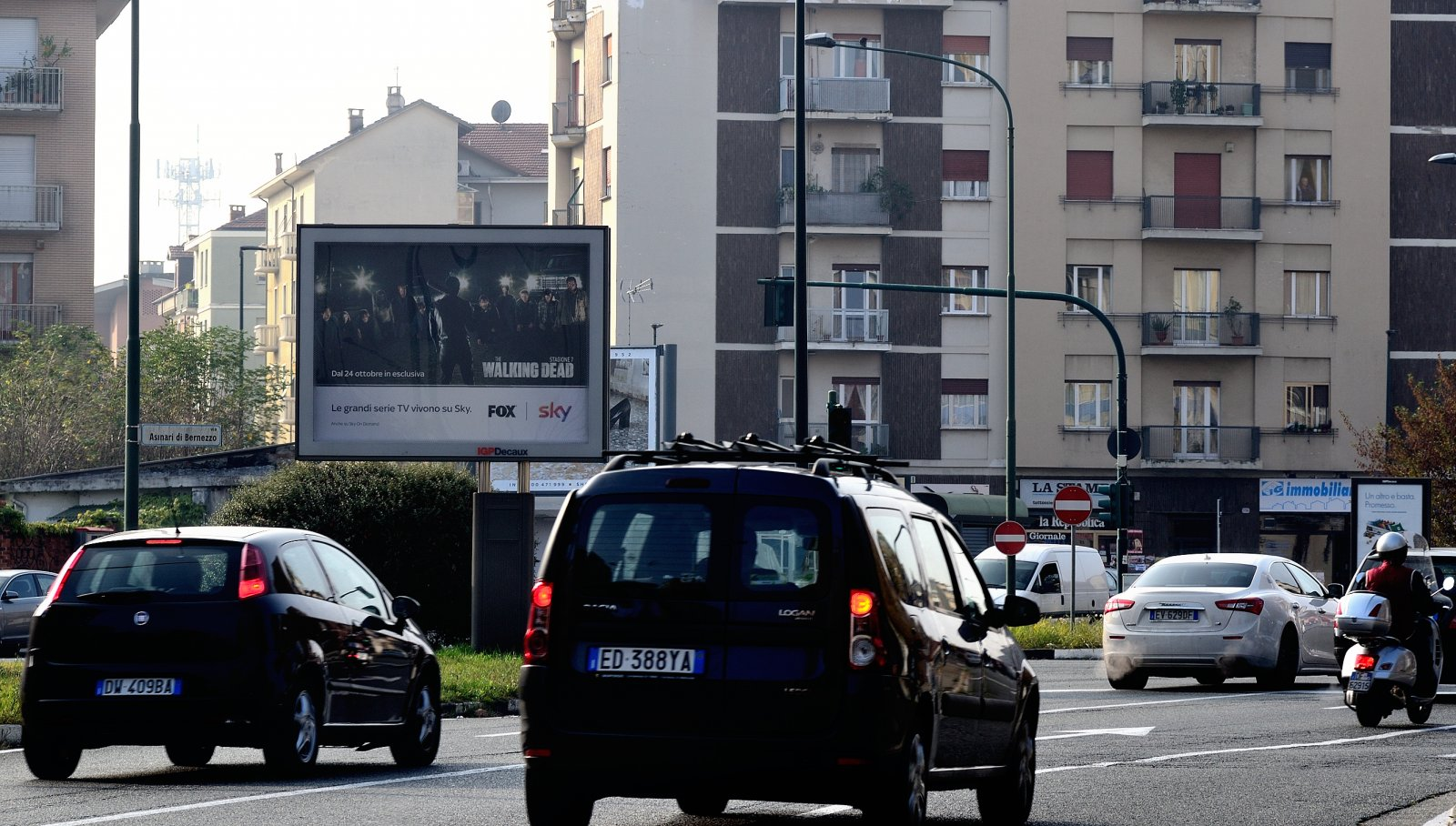 Pubblicità affissioni IGPDecaux senior a Torino per Sky