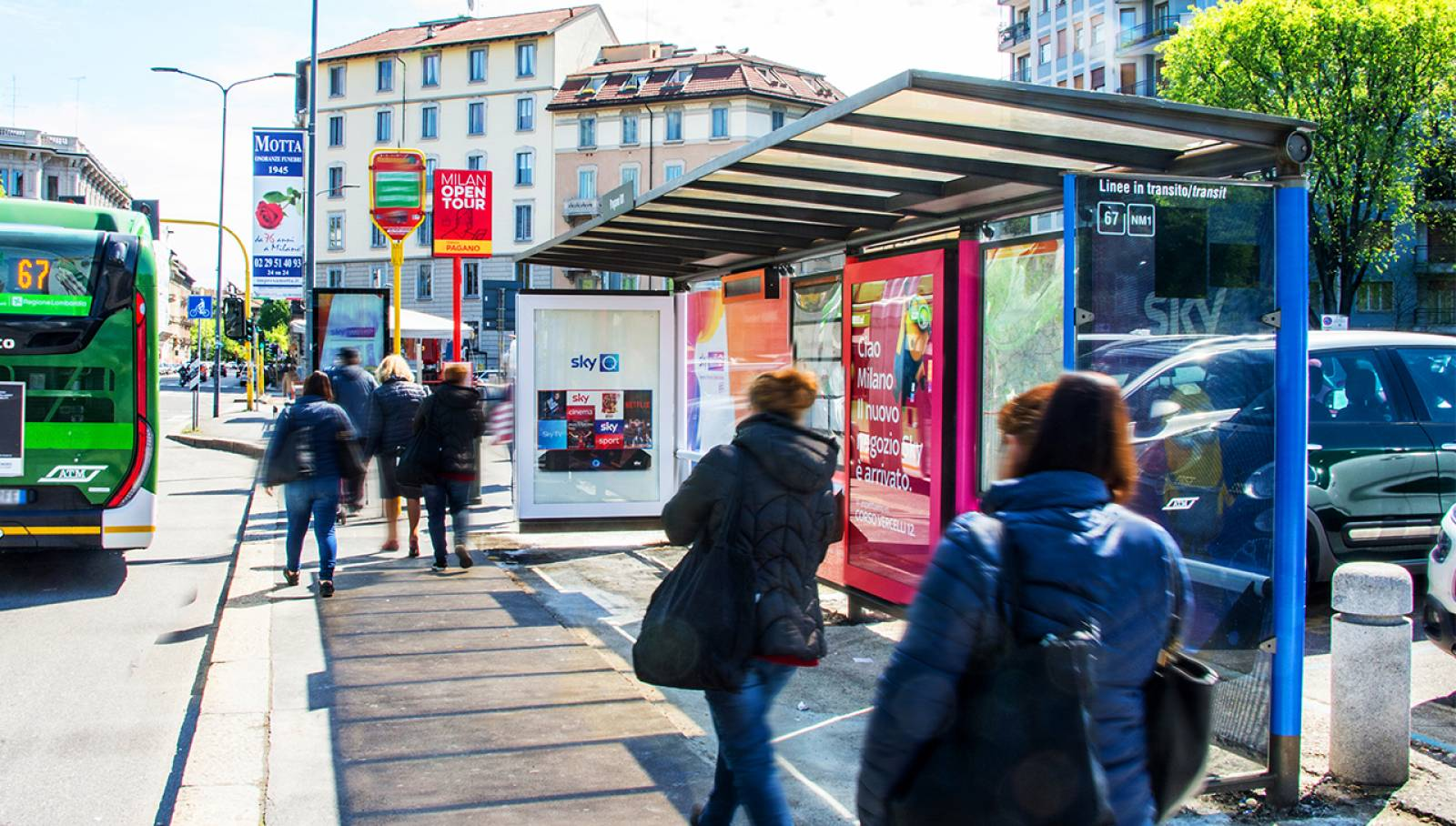 OOH Advertising Milano Brand Pensiline Creative Solutions IGPDecaux per SKY Italia
