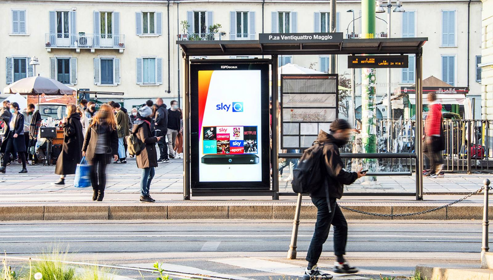 IGPDecaux Digital Out Of Home a Milano Network Vision per SKY Italia
