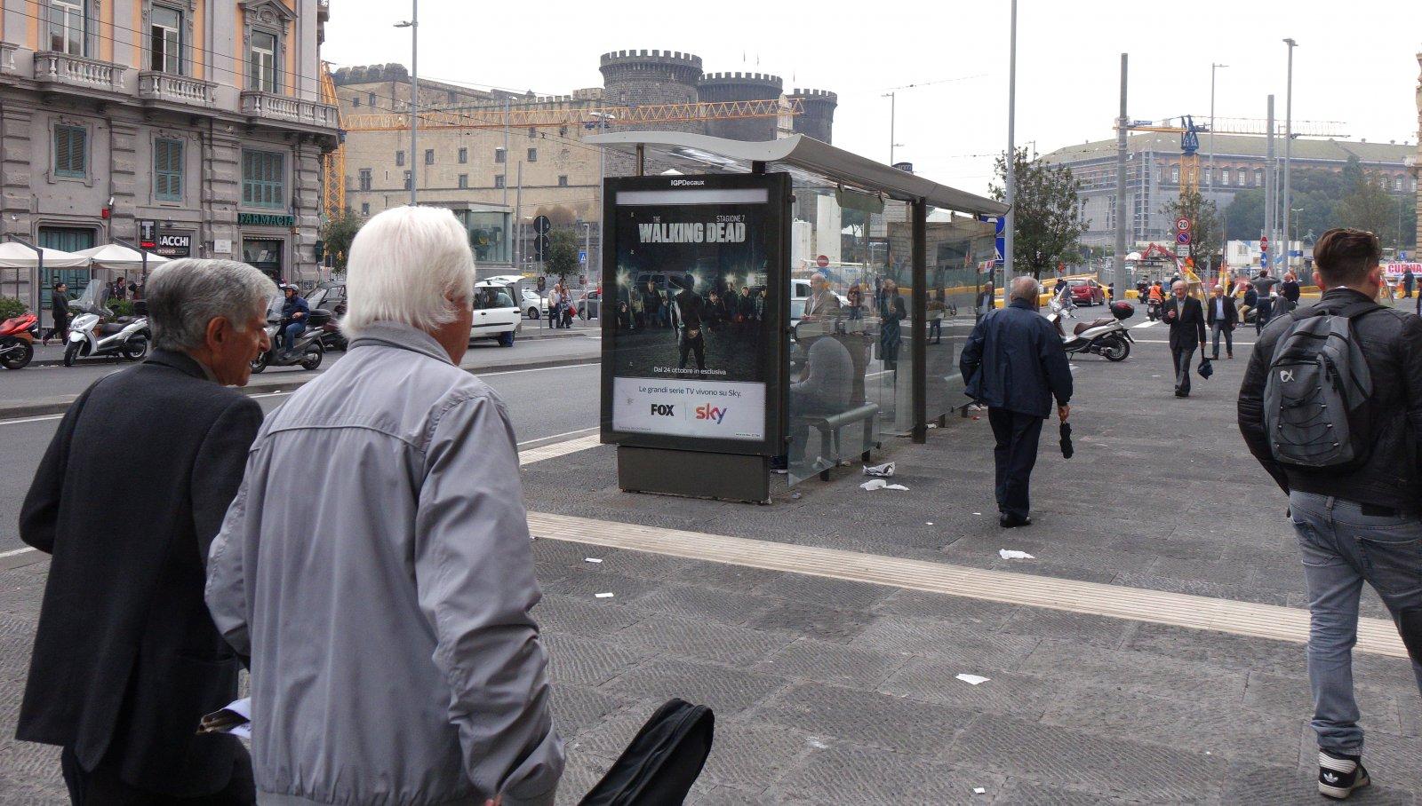 Pubblicità sulle pensiline IGPDecaux per Sky a Napoli