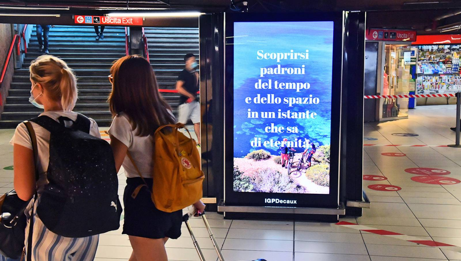 Pubblicità metro milanese Network Vision IGPDecaux per Toscana Promozione Turistica