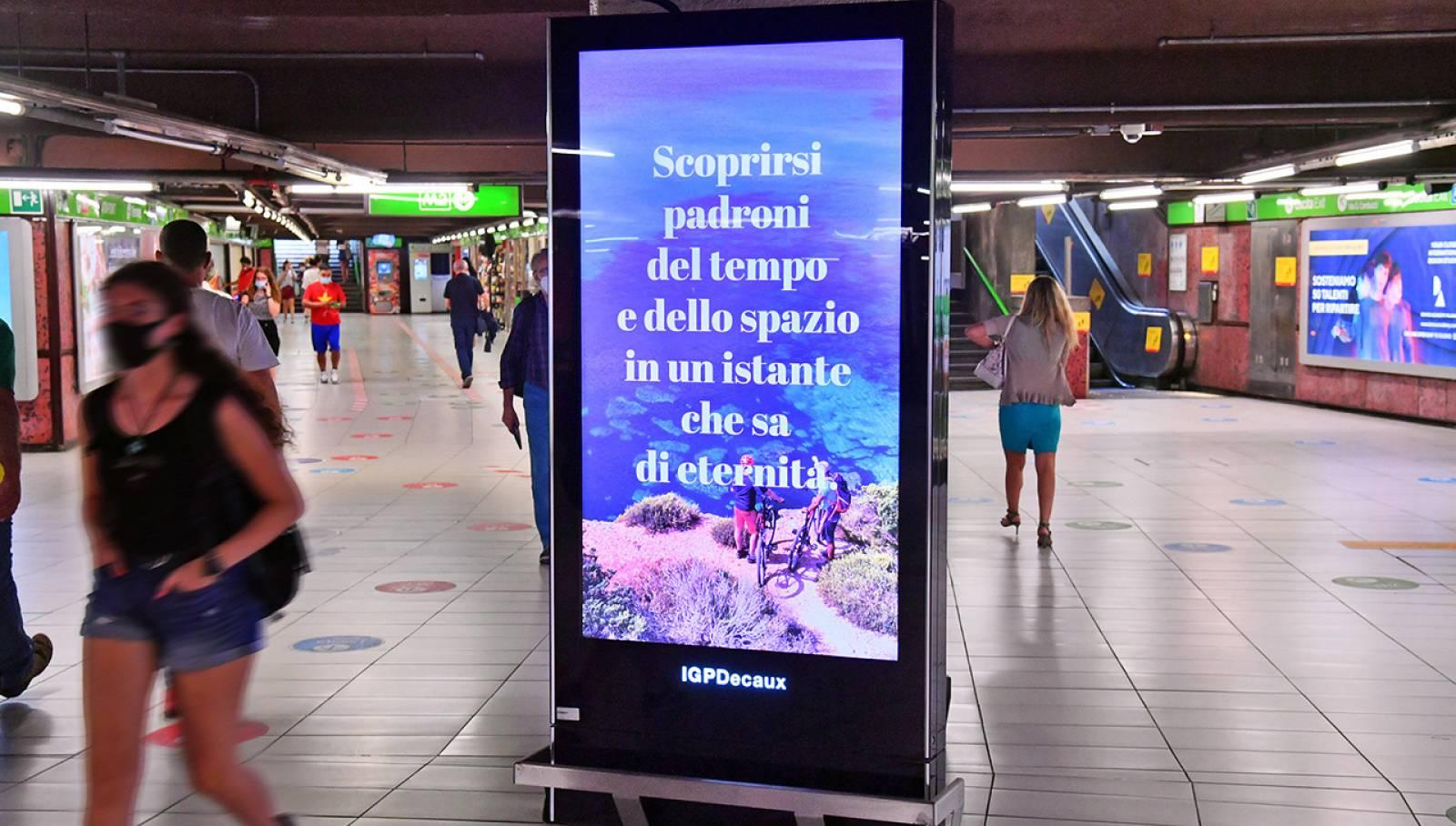Pubblicità Out of Home Milano IGPDecaux Network Vision metropolitana per Toscana Promozione Turistica