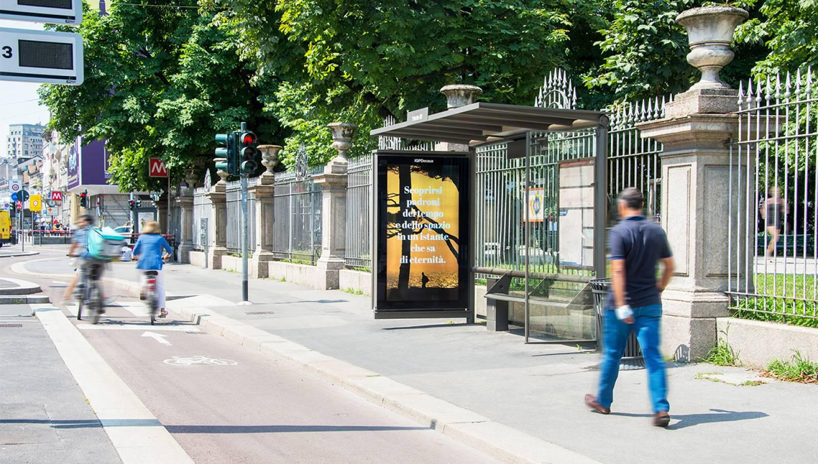 Pubblicità sulle pensiline IGPDecaux Milano Network Vision per Toscana Promozione Turistica