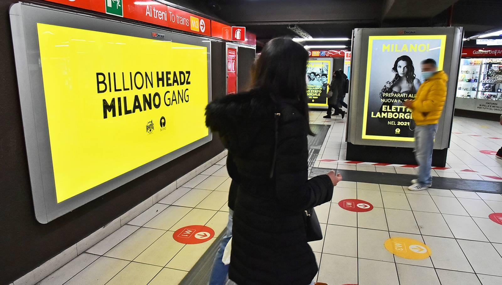 Pubblicità OOH in metropolitana IGPDecaux Milano Station Domination per Island Records