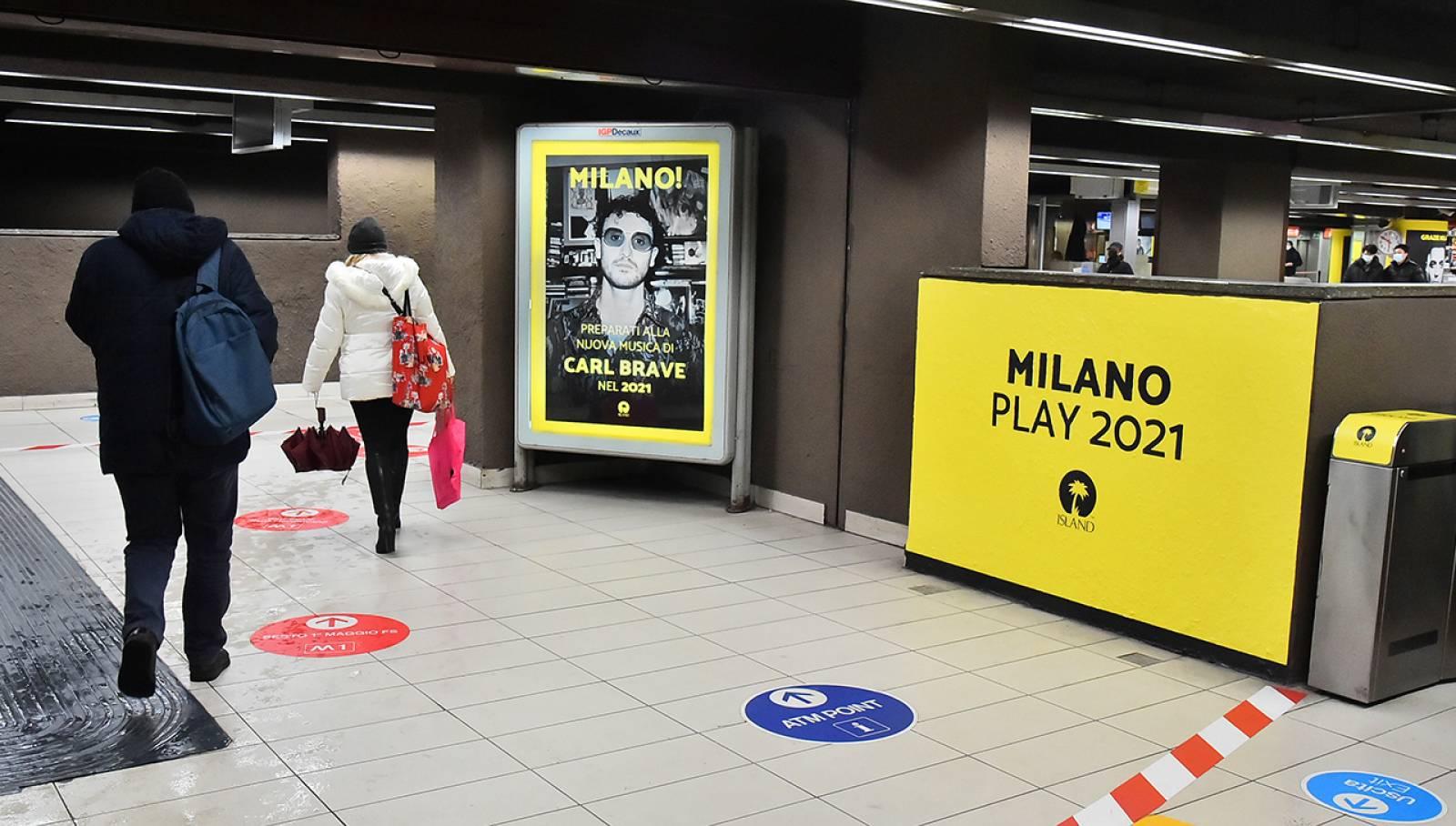 Pubblicità in metropolitana IGPDecaux Station Domination per Island Records