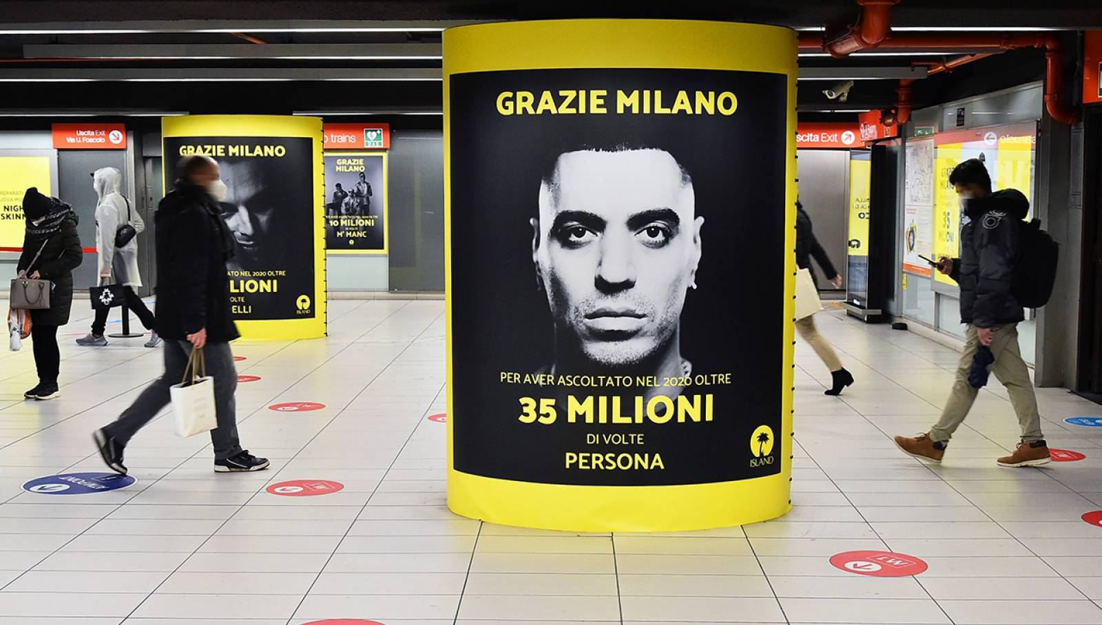 IGPDecaux OOH Advertising in metropolitana Station Domination per Island Records