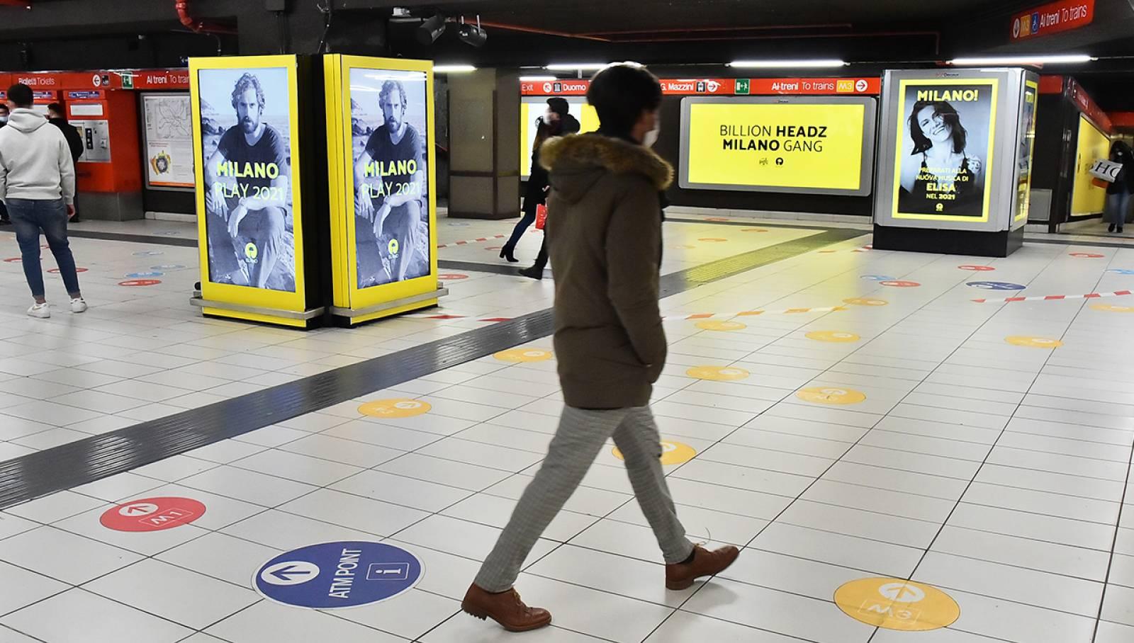 IGPDecaux pubblicità Out Of Home a Milano Station Domination per Island Records