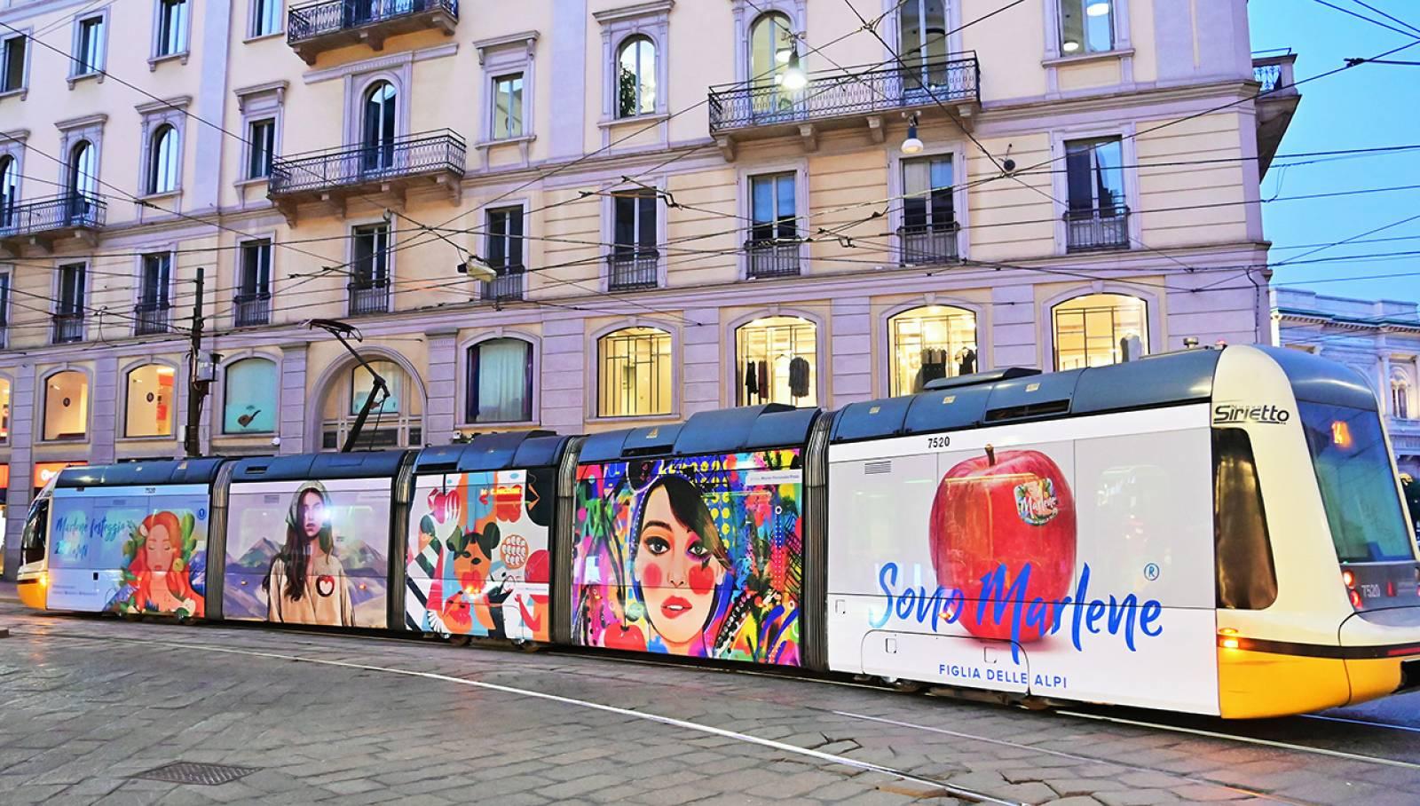 Pubblicità sui tram a Milano Full-Wrap IGPDecaux per Marlene