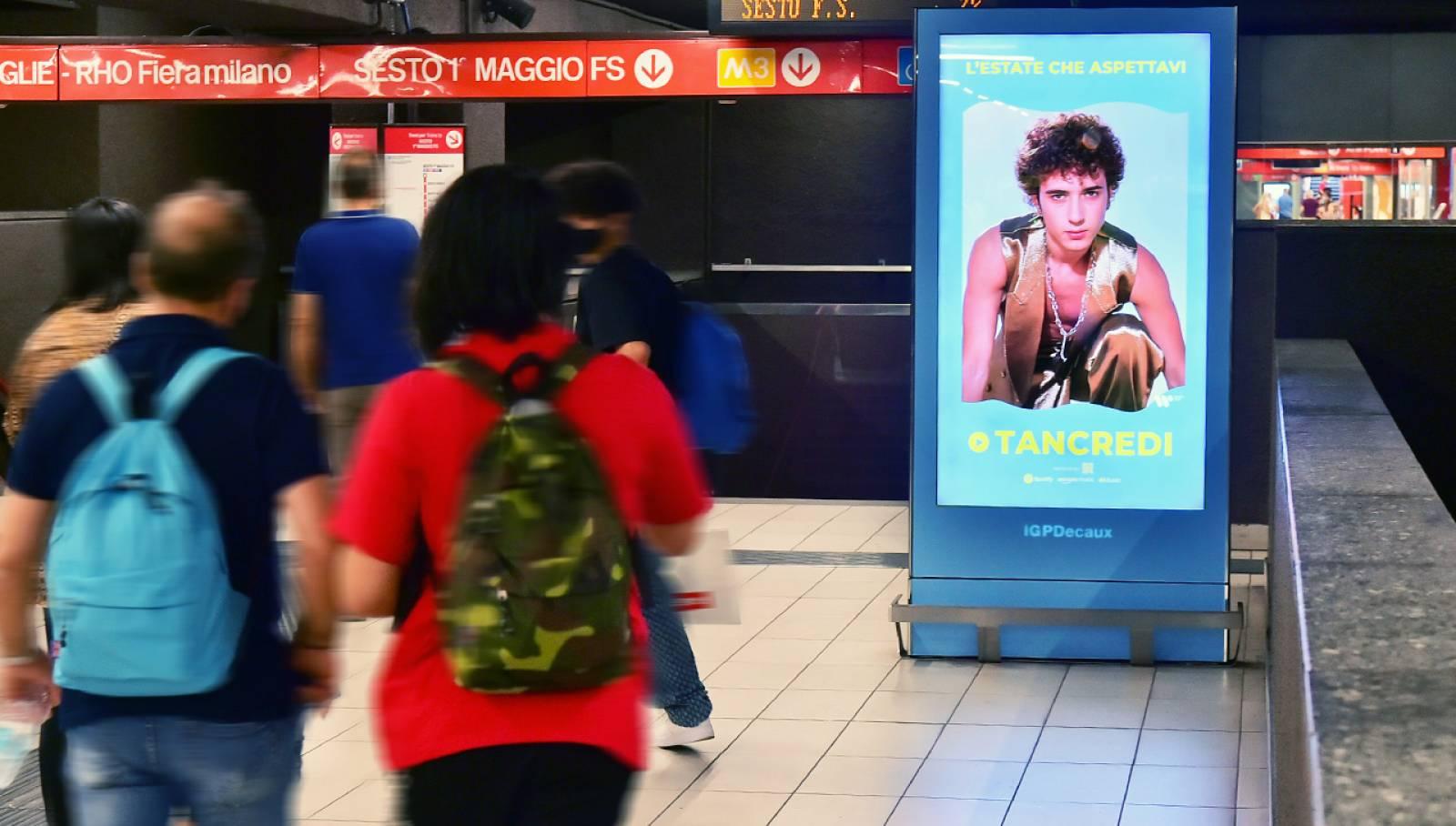 IGPDecaux Milano Station Domination in metropolitana per Warner Music Italy