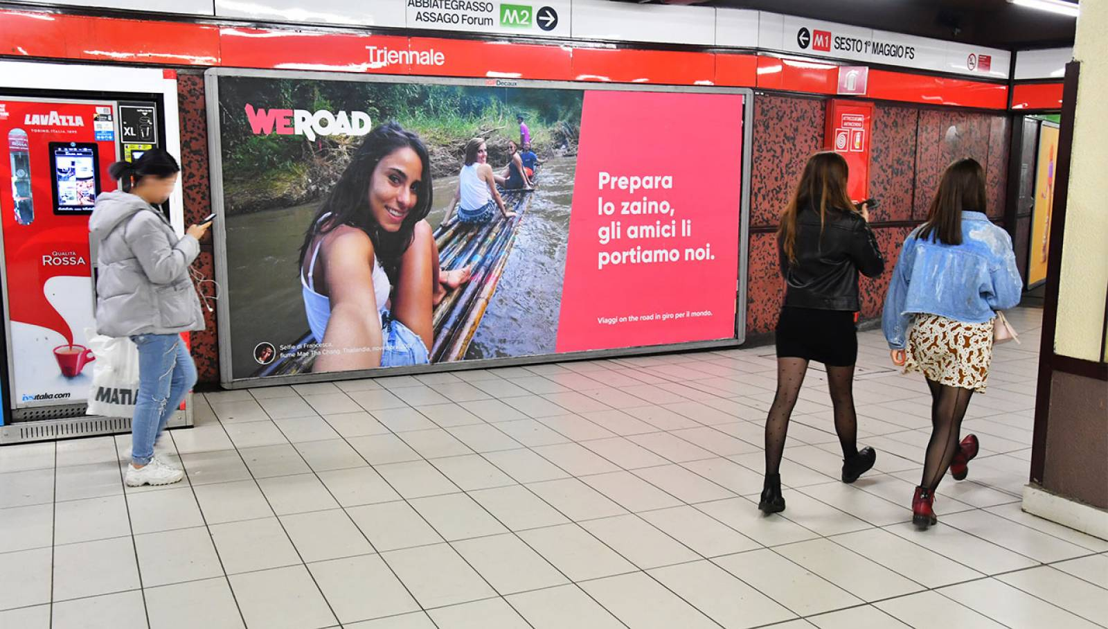 Out of Home advertising in Milan IGPDecaux  Landscape Coverga Network in Milan for WeRoad