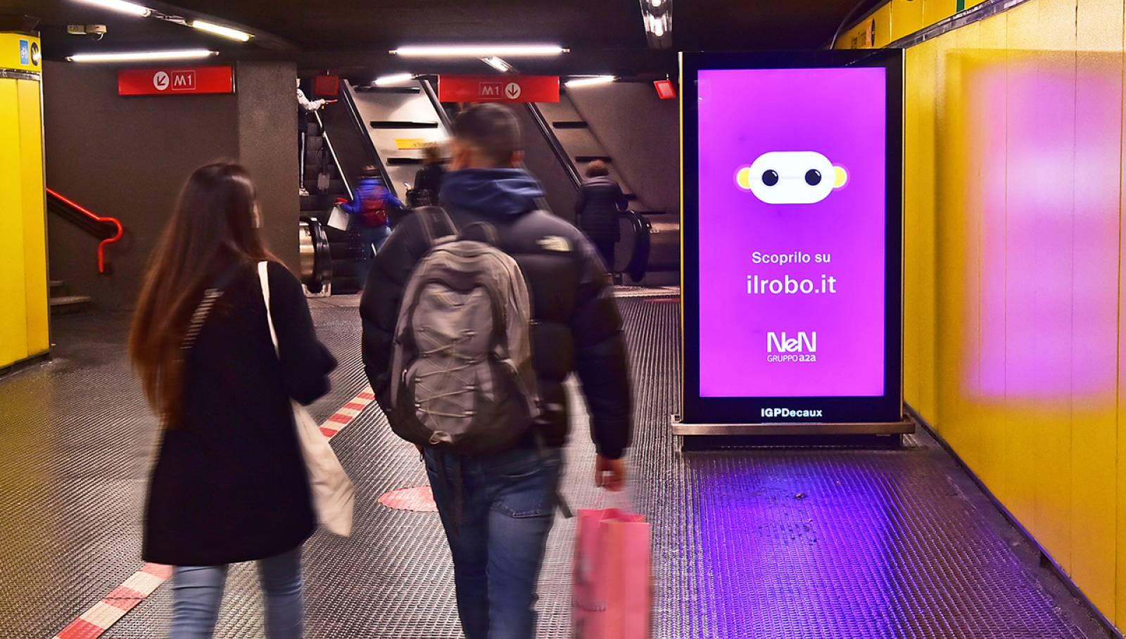 Pubblicità metro milanese IGPDecaux Network Vision per NeN