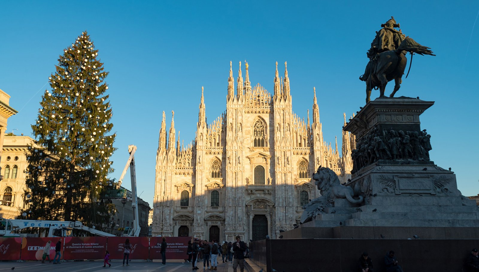 Albero di Natale IGPDecaux a Milano per Sky