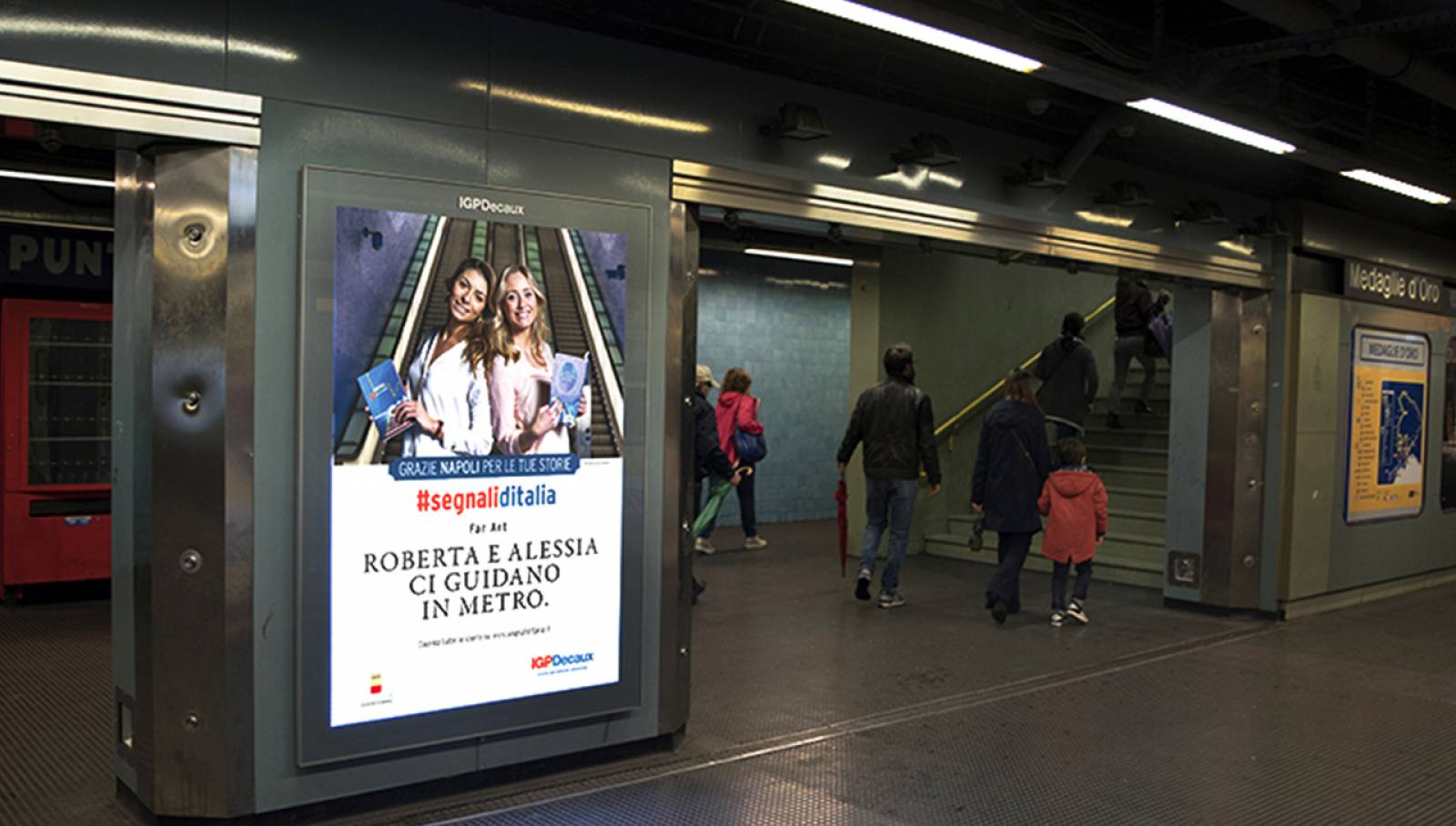 undergound OOH advertising IGPDecaux mupi in Naples for segnali d'Italia thanks campaign