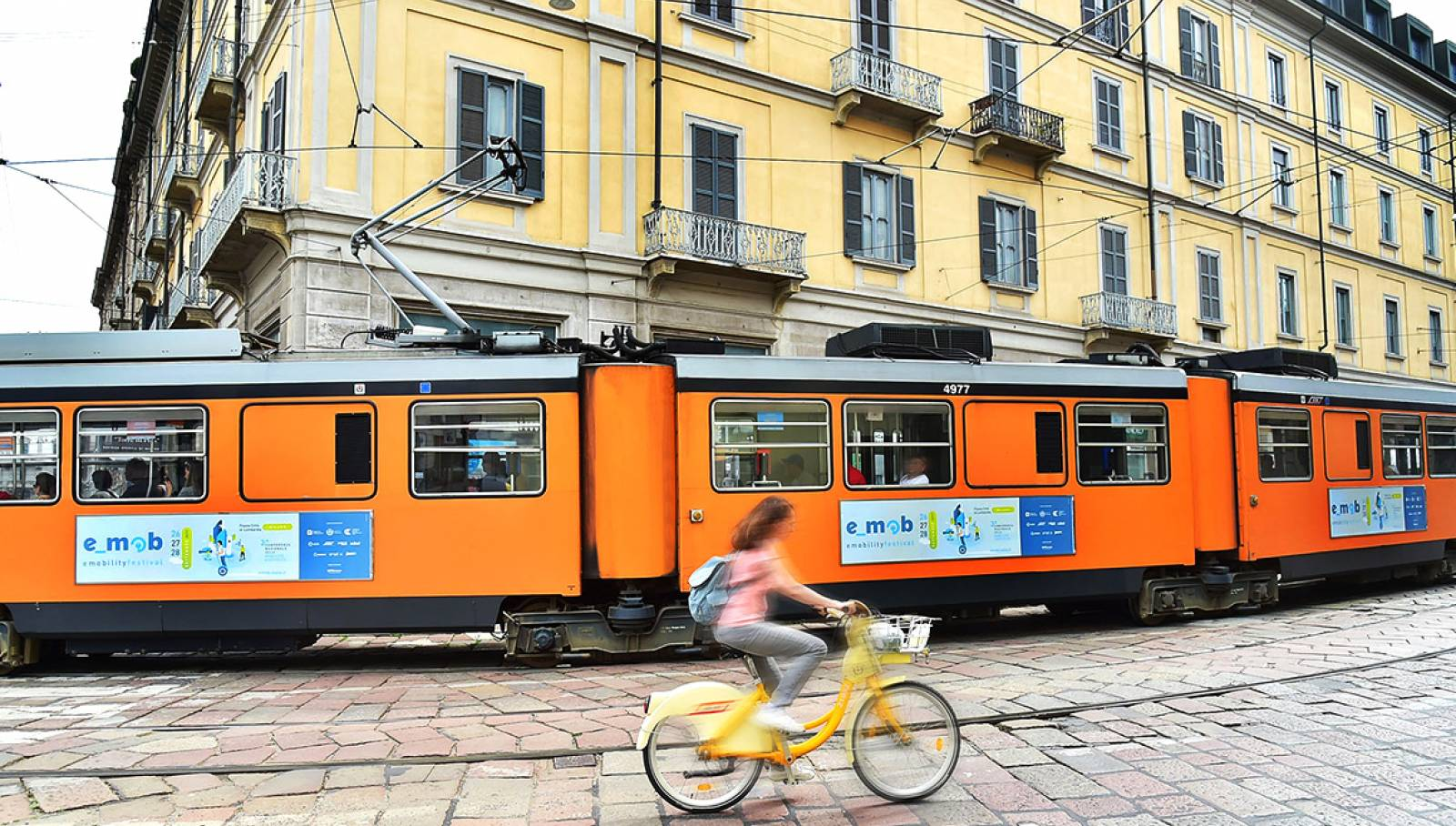 IGPDecaux OOH advertising in Milan Side Banner for e-mob festival