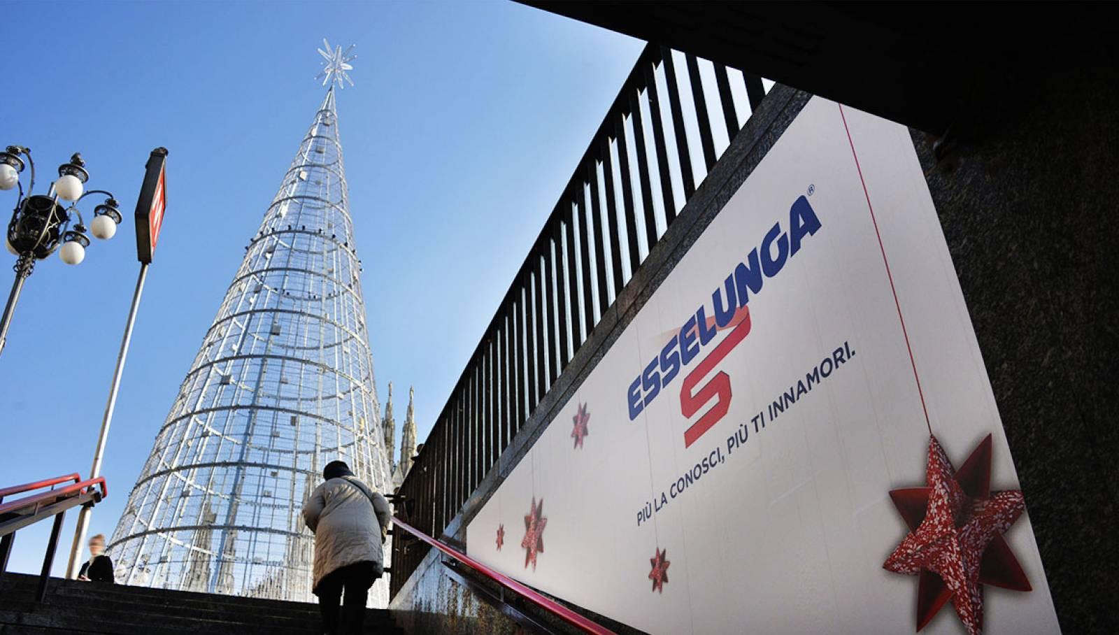 IGPDecaux albero di Natale per Esselunga Milano Natale 2019