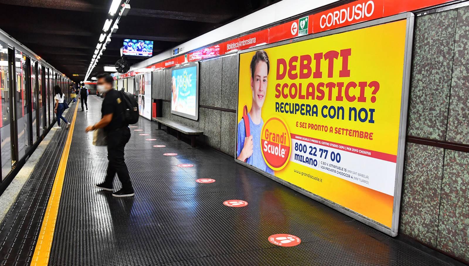 IGPDecaux pubblicità metro milanese campagna OOH per Grandi Scuole