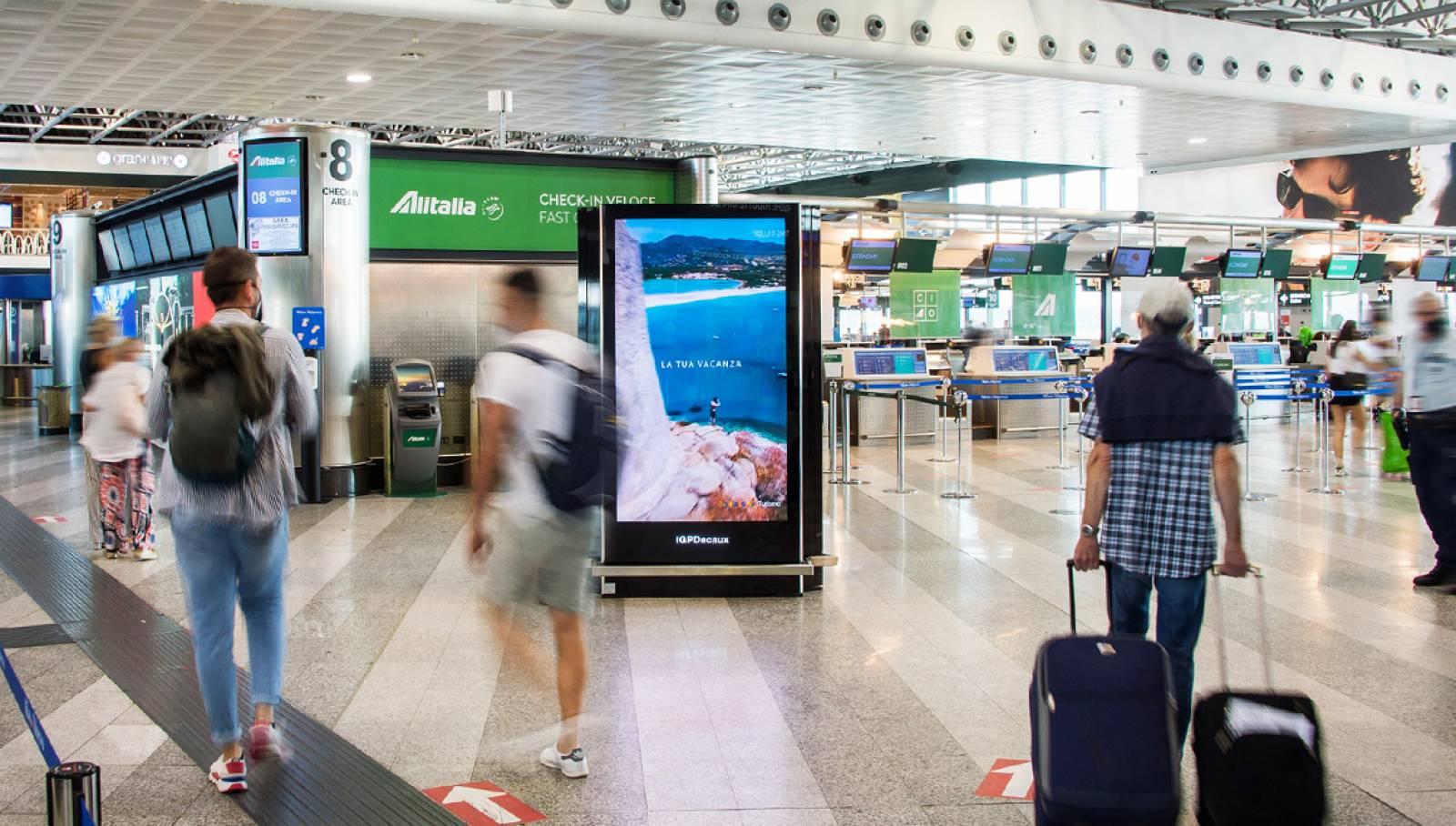 Campagna Out of Home IGPDecaux aeroporti Regione Sardegna