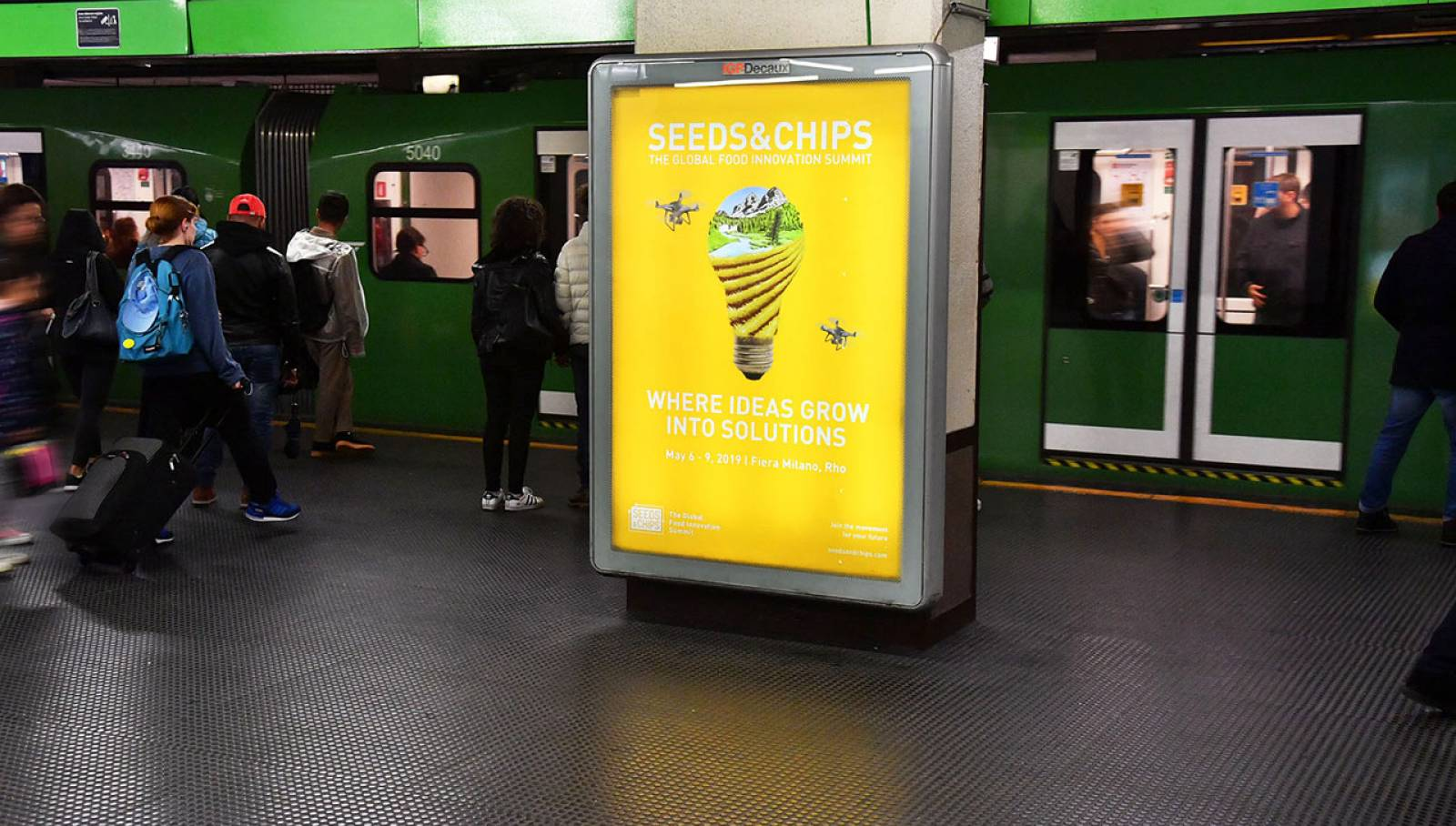 Underground OOH advertising in Milan Portrait Coverage Network IGPDecaux for Seeds&Chips