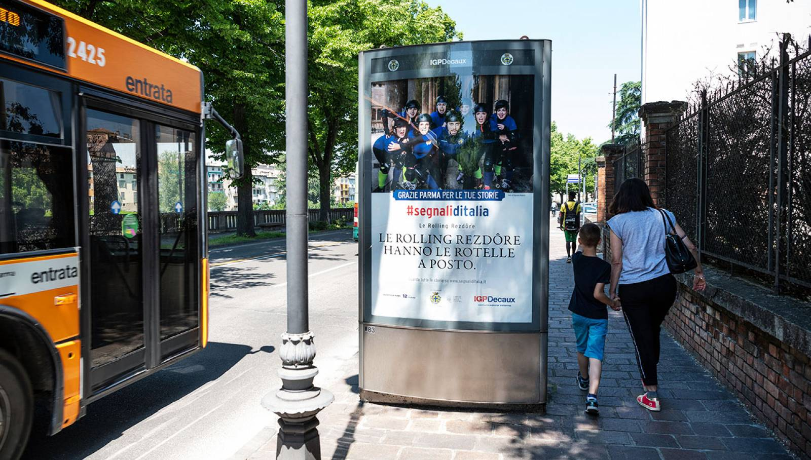 OOH advertising IGPDecaux in Parma for the Segnali d'Italia thanks campaign