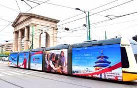 Pubblicità out of Home IGPDecaux vetture decorate a Milano per Air China