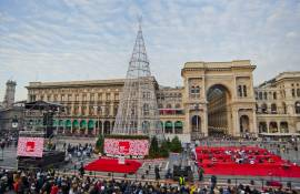 Christmas tree IGPDecaux for Esselunga Milan 2019