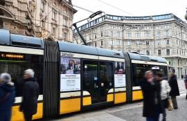 Pubblicità OOH su tram IGPDecaux Manyside a Milano per Segnali d'Italia