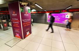 Pubblicità in metropolitana IGPDecaux Station Domination a Milano per Storytel