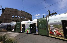Out of Home IGPDecaux Wrapped Vehicles in Rome for Alitalia