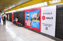 Outdoor advertising IGPDecaux Phygital Network in Milan for Casa.it