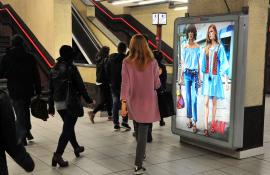 pubblicità in metropolitana IGPDecaux Circuito a Copertura Portrait a Milano per H&M