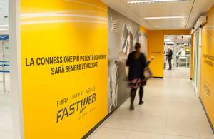 Malpensa airport advertising IGPDecaux Stickers at Linate for Fastweb