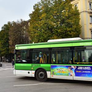 Advertising on buses IGPDecaux Side Banner in Milan for Cirque du Soleil