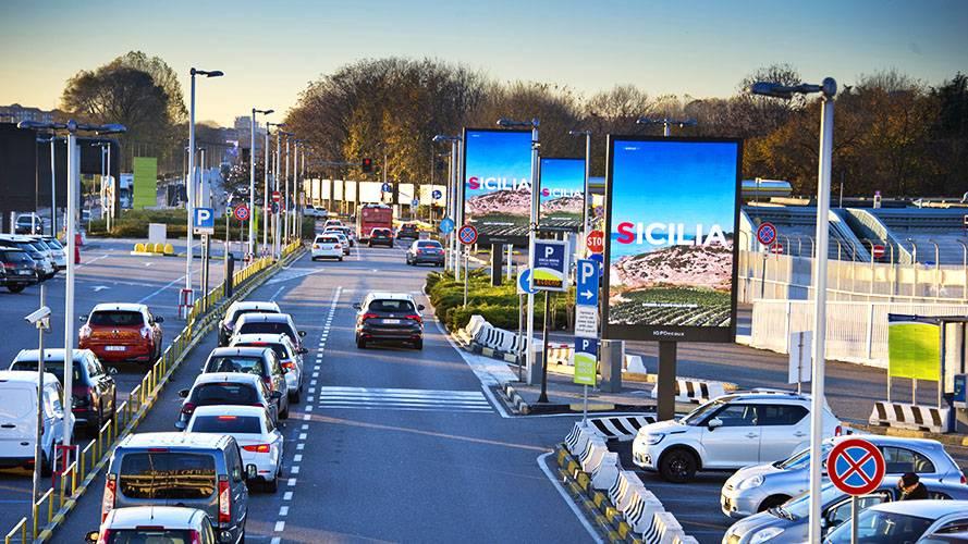 Linate aeroporto pubblicità 8MQ IGPDecaux per Regione Sicilia